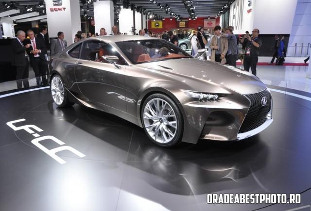 LIVE de la Paris 2012: Lexus LF-CC
