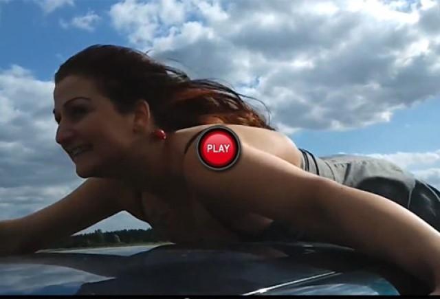 VIDEO: Simplele placeri din viata unei femei