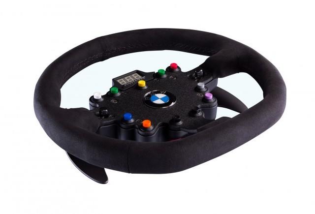 Volanul BMW M3 GT - Un motiv de bucurie pentru pasionatii jocurilor pe calculator
