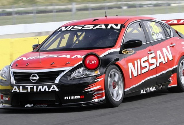 VIDEO: Nissan Altima V8 Supercar in actiune