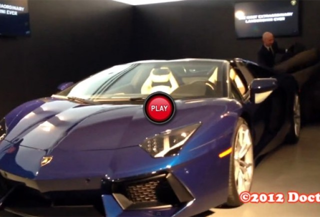 Material video cu Lamborghini Aventador LP700-4 Roadster