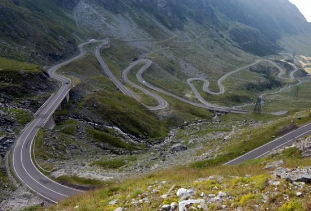 Topul celor mai spectaculoase drumuri din lume