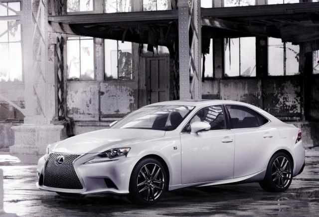 Primele imagini oficiale cu noul Lexus IS