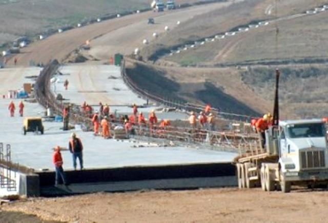 2013 vine cu o investitie de 1 miliard de euro in autostrazi si drumuri nationale