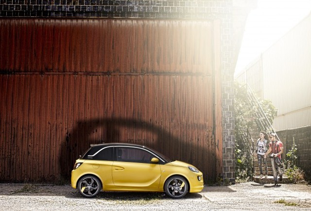 Opel ADAM, debut fulger: peste 20.000 de comenzi