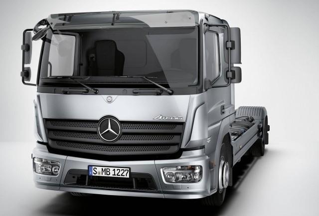 Mercedes ne prezinta primele imagini cu noul camion Atego