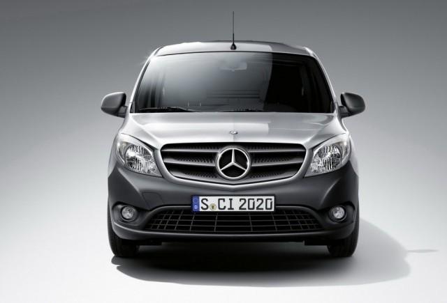 Caravana europeana Mercedes-Benz Citan trece prin trei orase din Romania