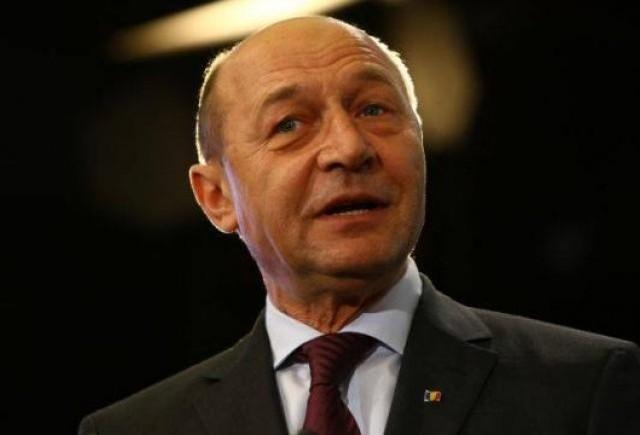 Traian Basescu implicat intr-un accident