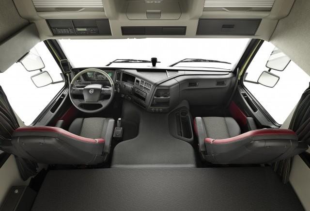 Cabina noului Volvo FMX: Rezistenta si confort