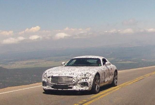 Imagini spion cu noul Mercedes-Benz AMG GT