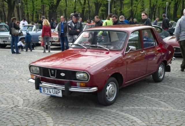 Peste 60 de automobile Dacia istorice se întâlnesc în Brașov