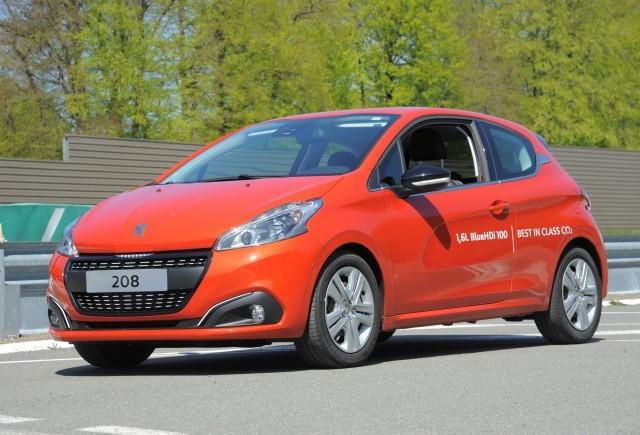 Record de consum pentru Peugeot 208 BlueHDi