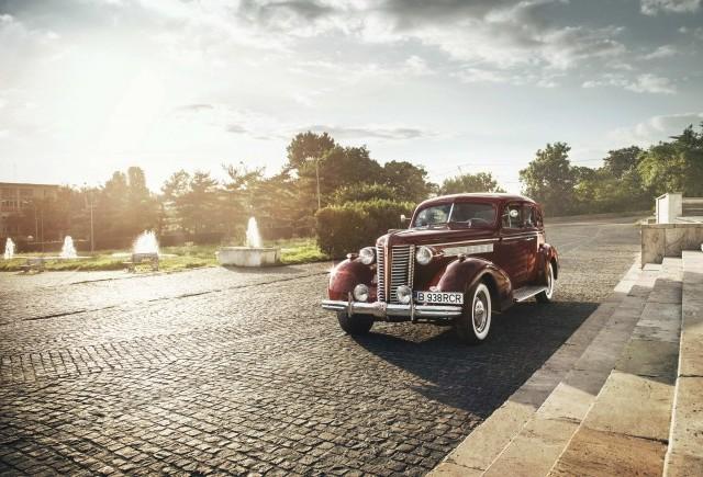 Un Buick Special 40 pe străzile din România