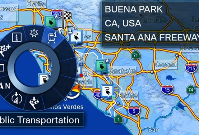 Sistemul de navigaţie BMW i, care propune şi trasee cu mijloace de transport în comun, a câştigat