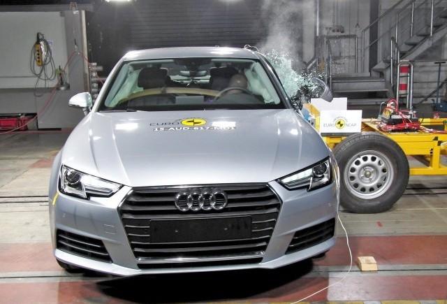 5 stele pentru Audi A4 la testul Euro NCAP