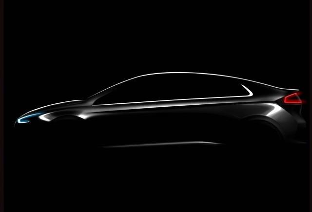 Hyundai Ioniq, primul autovehicul disponibil în trei variante de propulsoare electrice