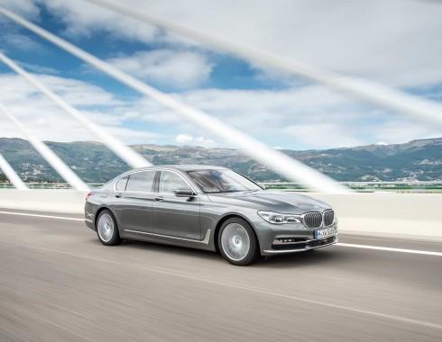 Primul diesel de serie cu patu turbine vine pe BMW Seria 7