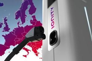 Un joint venture între producătorii de automobile face posibilă mobilitatea electrică pe distanțe lungi