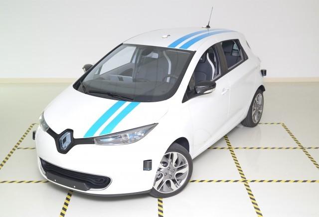 Renault prezintă în premieră Sistemul Autonom de Evitare a Obstacolelor