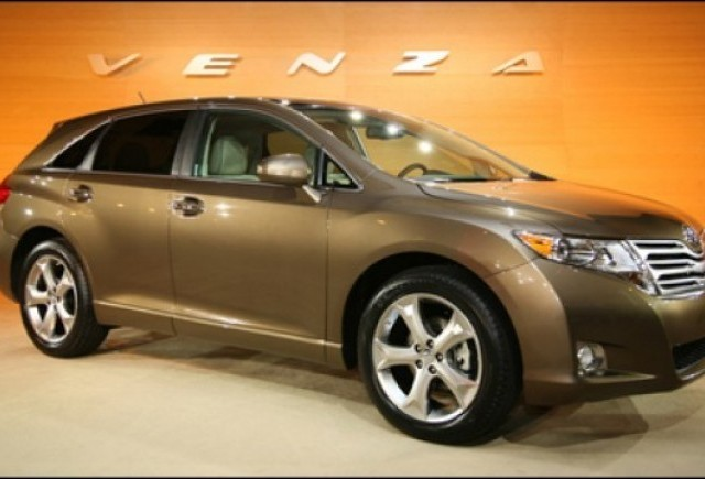 Toyota Venza - intre lux si cumpatare