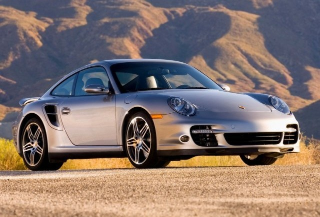 Productia Porsche 911 oprita timp de doua zile
