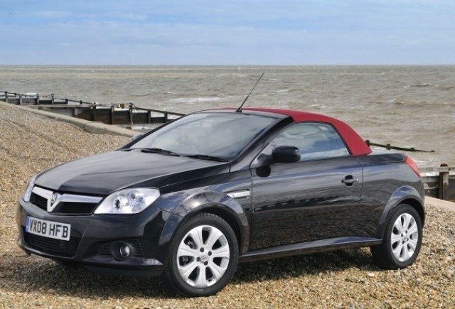 Opel Tigra Sport Rogue - Decapotabila sub acoperire