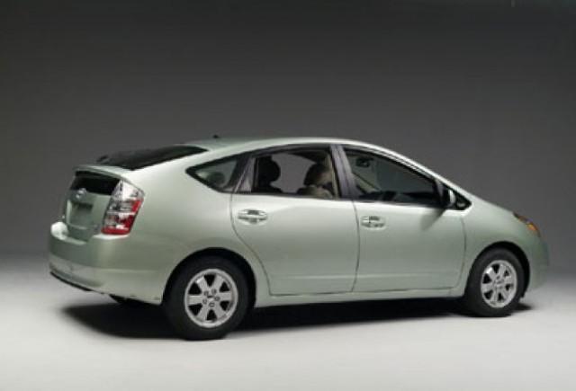 Toyota Prius a depasit 1 milion de exemplare vandute