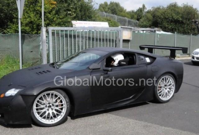 Lexus LF-A - In vesnic duel cu Nissan GT-R!