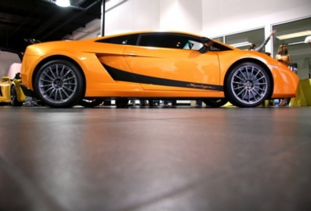 Lamborghini Orange County - Un mister economic...