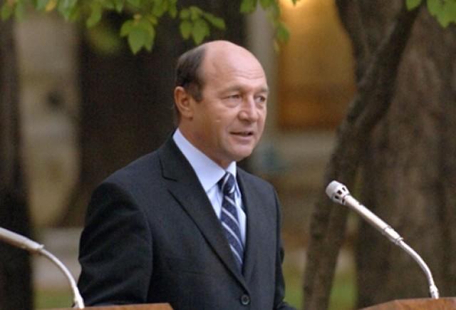 Basescu a anuntat prima masina Ford produsa in Romania