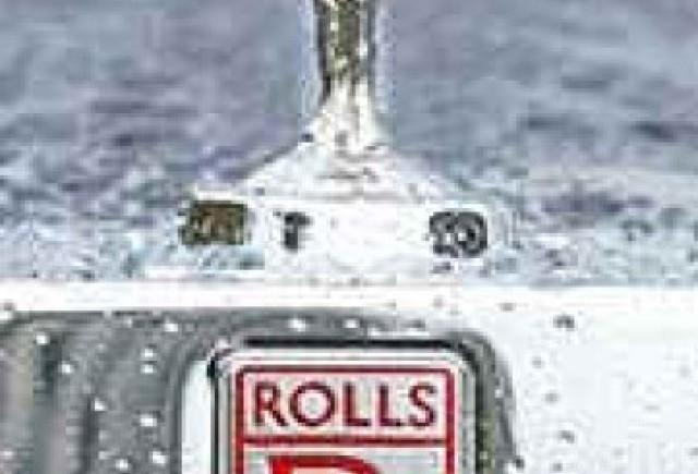 Rolls-Royce va opri limitat productia din Marea Britanie