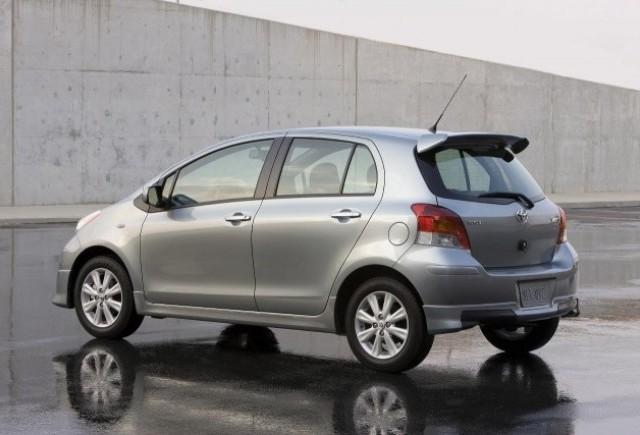Toyota Yaris cu 7 locuri ?