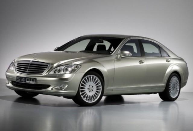 Daimler va incerca sa lanseze in fiecare an cate un model de vehicul hibrid