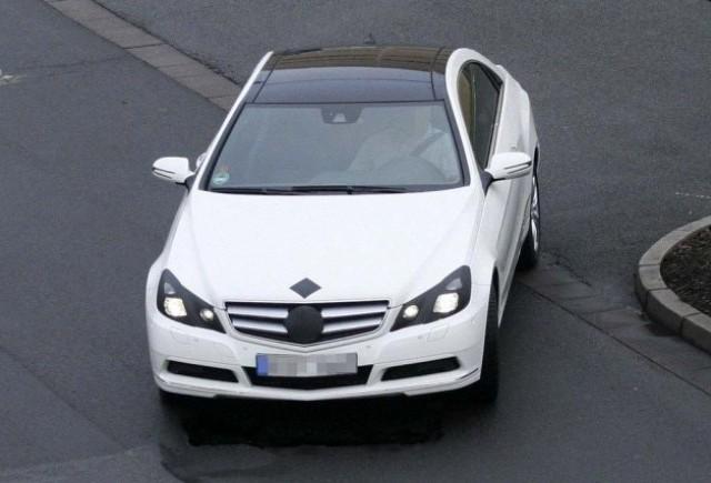 Imagini noi cu E-Class Coupe!
