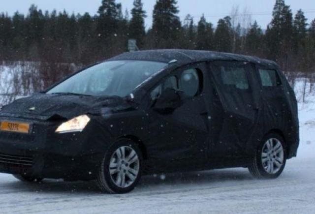 Primele imagini cu Peugeot 3008 SW