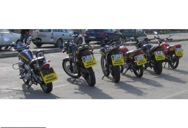 Examenul moto schimba viteza in poligon