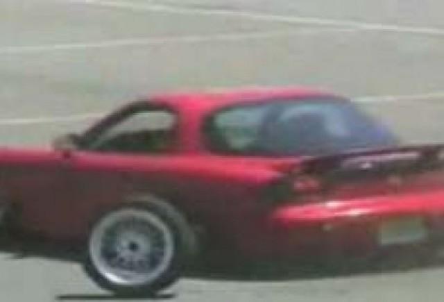 Mazda RX-7 a avut parte de un accident nefericit!
