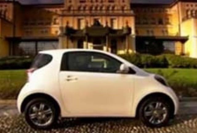 Micuta si inteligenta - Toyota iQ