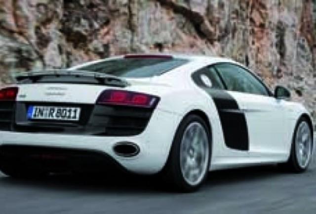 Audi lanseaza un nou video cu R8 V10!