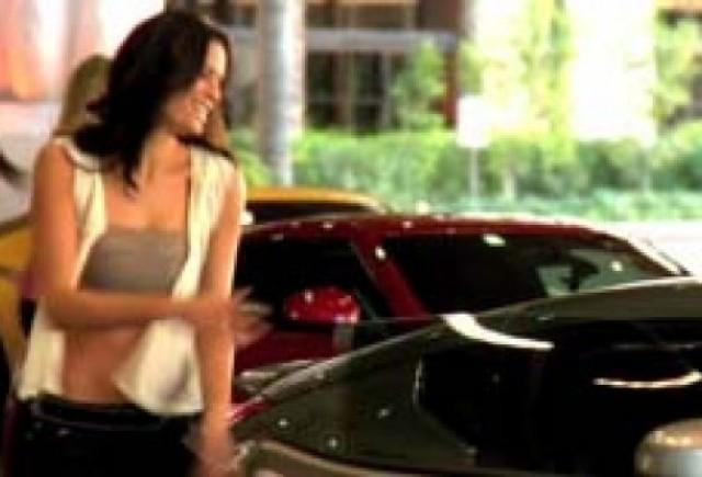 Raiul pe pamant - Trei femei frumoase si o masina foarte rapida!