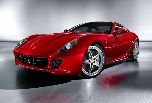 Ferrari va lansa modele hibride!