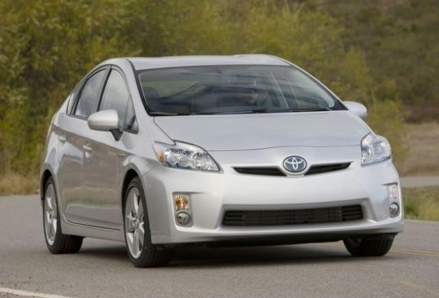 Toyota pregateste un rival mai ieftin pentru Honda Insight!