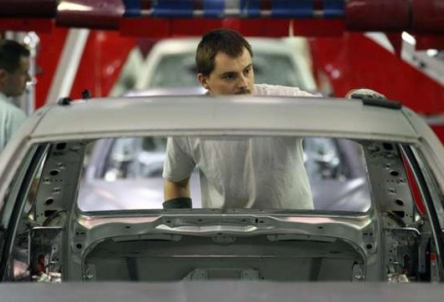 Productia auto din Marea Britanie a scazut cu 59% in februarie