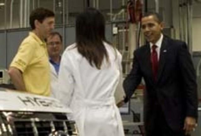Obama anunta 2.4 miliarde dolari pentru viitoarea generatie de autovehicule!