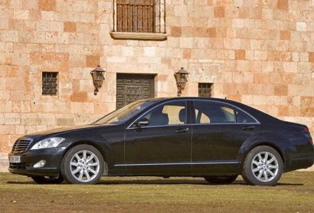 Recall rusinos: Mercedes S-Klasse are probleme la incuietorile usilor