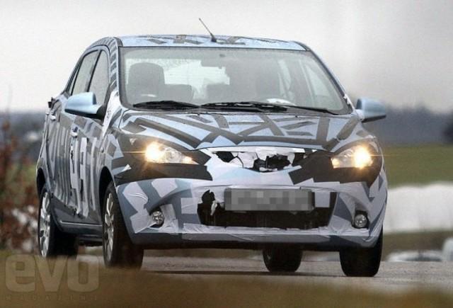 Imagini spion: Noua Mazda 1