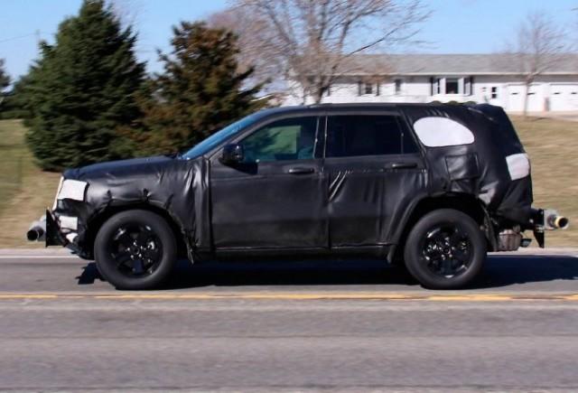 Noua generatie de Jeep Grand Cherokee spionata!
