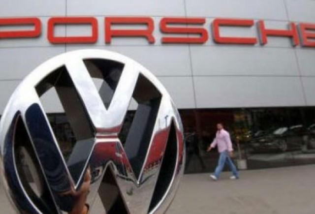 Porsche s-a imprumutat de 10 mld. euro pentru a cumpara actiuni VW