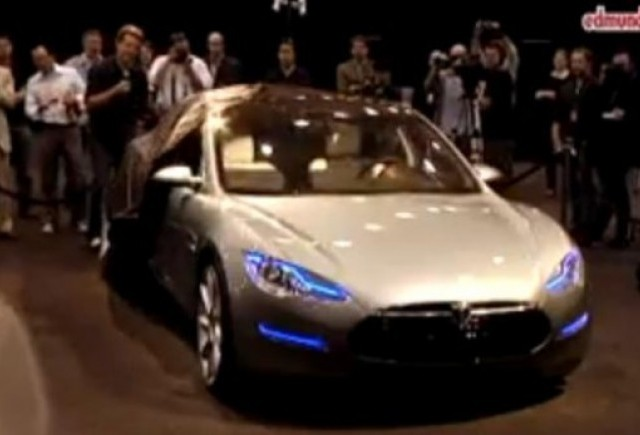 VIDEO: Tesla Model S se prezinta