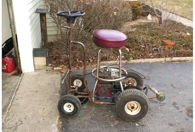 Un om a fost amendat pentru ca a condus beat un scaunel de bar motorizat